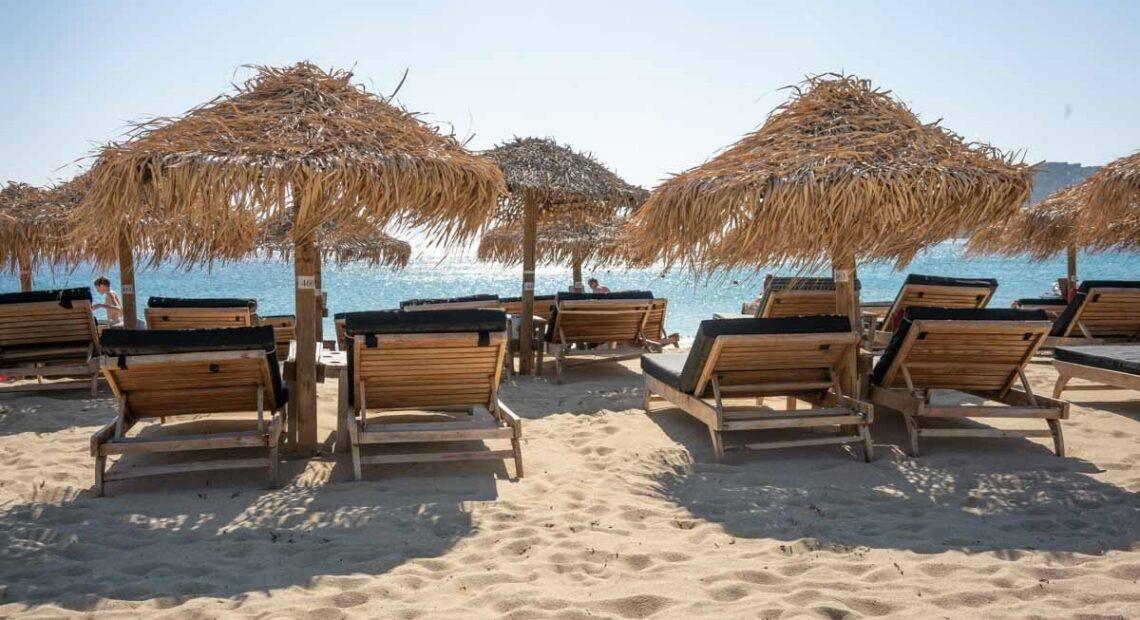IOBE: Covid-19 Sends Greece Tourism Revenue Downward