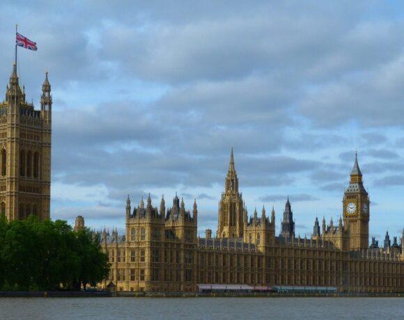Press: UK Mulls List of Quarantine-free Countries for Travel