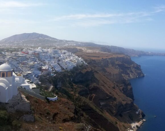Thousands of Tourists Fly to Five Greek Islands in July