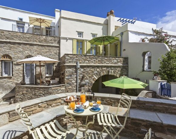 Tinos' Crossroads Inn Guesthouses Introduce New Health Protocols