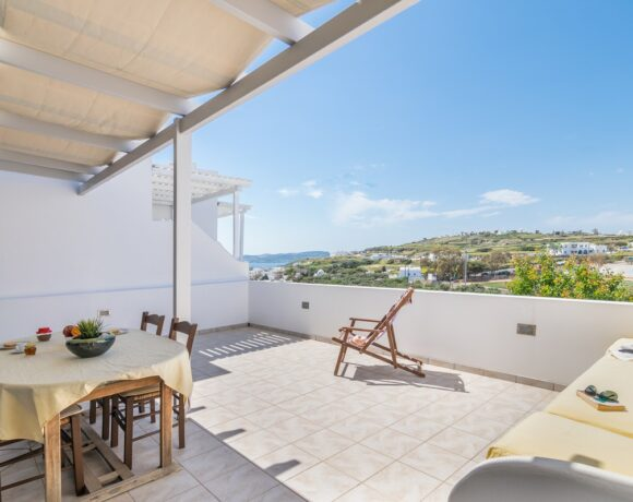 'Vivere a Plakes' is Welcoming Experiential Travelers to Milos
