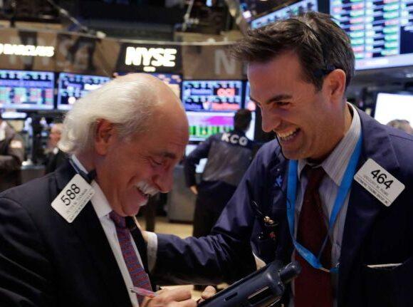 Wall Street: Ράλυ των δεικτών μετά τα στοιχεία -έκπληξη της ανεργίας