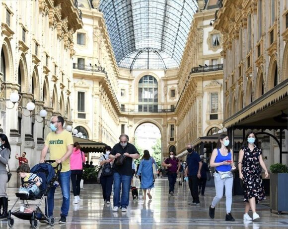 Άλμα νέων κρουσμάτων στην Ιταλία