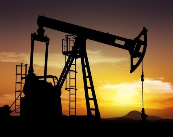 Απώλειες το πετρέλαιο για πρώτη φορά μέσα στην εβδομάδα