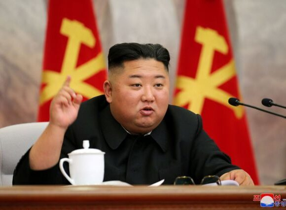 Είναι ο Κίμ Γιονγκ Ουν (ξανά) σε κώμα; – Η κίνησή του που έκανε τον Τύπο να οργιάζει
