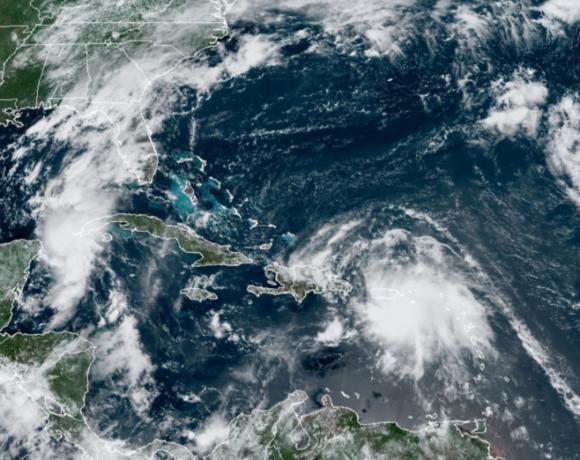 ΗΠΑ: Εκκενώνονται περιοχές στη Λουιζιάνα, εν αναμονή των «δίδυμων τυφώνων» που θα πλήξουν τα νότια παράλια των ΗΠΑ