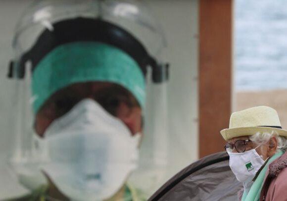 Κοροναϊός: Με υπεριώδη ακτινοβολία απολυμαίνουν τα καροτσάκια του σουπερμάρκετ στο Βέλγιο