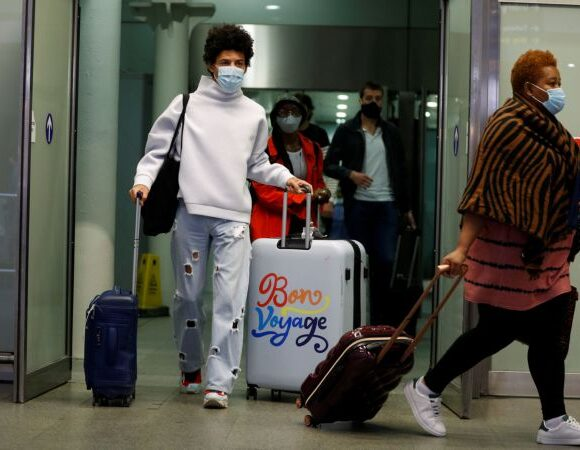 Κοροναϊός : Νέα ρεκόρ κρουσμάτων ανακοίνωσαν Παρίσι και Λονδίνο