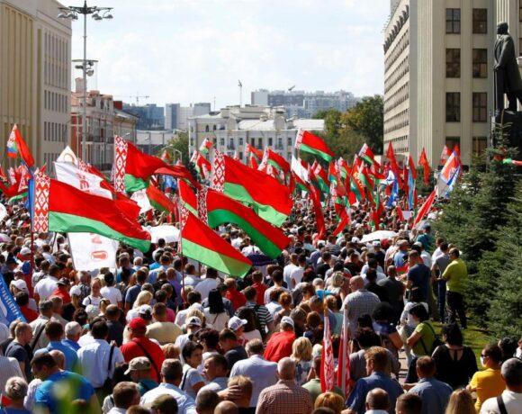 Λευκορωσία : Διαδήλωση υπέρ του Λουκασένκο στο Μινσκ λίγο πριν από μεγάλη αντικυβερνητική κινητοποίηση