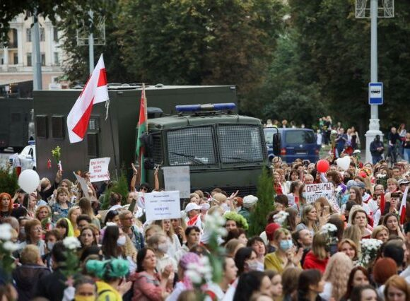 Λευκορωσία: Πρόσκληση Πούτιν σε Λουκασένκο να πάει στο Κρεμλίνο – 125 συλλήψεις σήμερα στο Μινσκ