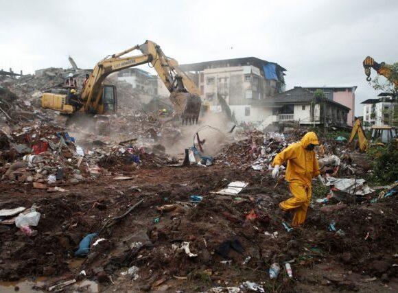 Μουμπάι: Κατάρρευση πενταώροφου κτιρίου – Δεκάδες εγκλωβισμένοι