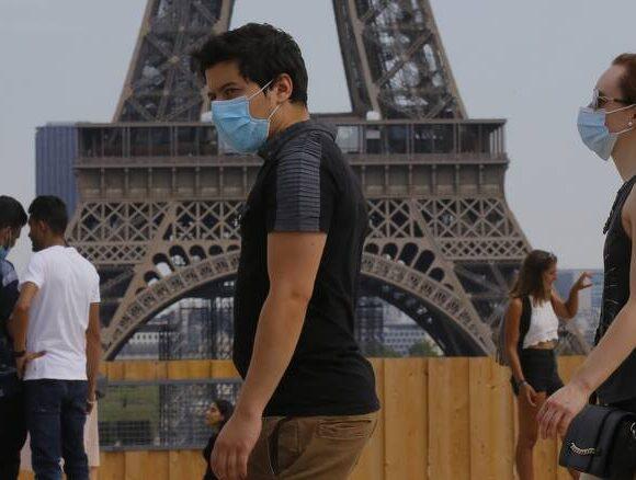 Παρίσι: Υποχρεωτική η χρήση μάσκας και στους εξωτερικούς χώρους