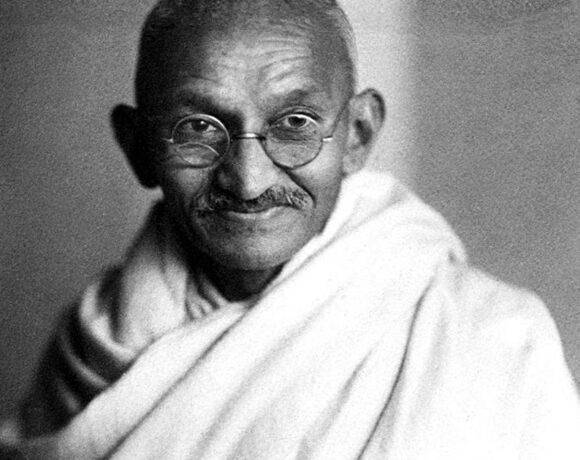 Τιμή ρεκόρ για τα γυαλιά του Μαχάτμα Γκάντι σε δημοπρασία