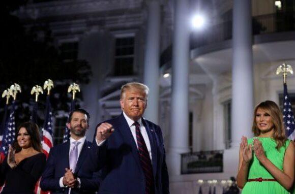 Τραμπ: Στον Λευκό Οίκο η φιέστα για το χρίσμα – Ο «νεκροθάφτης» Μπάιντεν και η μάχη με τον κοροναϊό