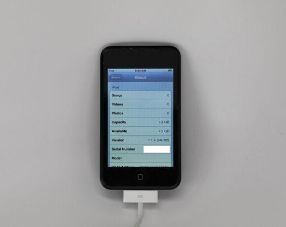 Φωτογραφίες του glossy black iPod που δεν είδαμε ποτέ