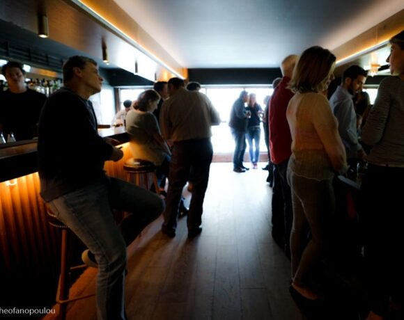 Covid-19: No Standing Customers Allowed in Bars and Clubs in Greece