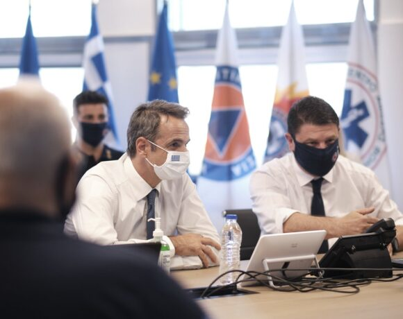Greek PM on Instagram: Wear a Mask and Follow the Rules Against Covid-19