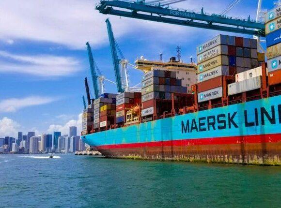 Maersk: O κολοσσός του container shipping προειδοποιεί για καθίζηση