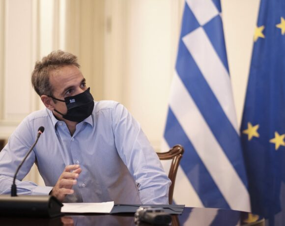 PM Mitsotakis Promises Free Covid-19 Vaccine to Greeks Once Available