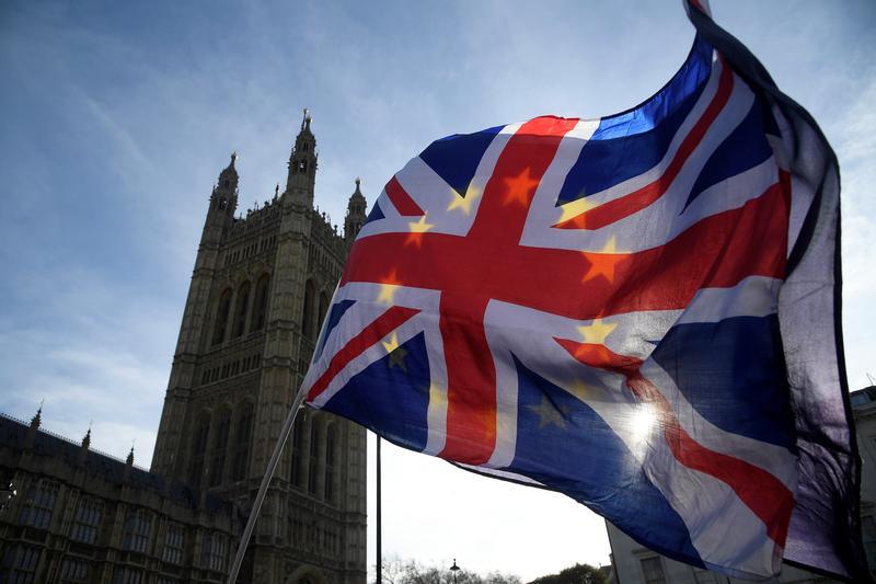 Brexit : Την απόσυρση του «σοκαριστικού» νομοσχεδίου της βρετανικής κυβέρνησης ζητούν Μπλερ και Μέιτζορ