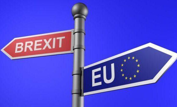 Brexit: Το Λονδίνο απορρίπτει το τελεσίγραφο των Βρυξελλών, δεν αποσύρει το επίμαxο νομοσχέδιό του