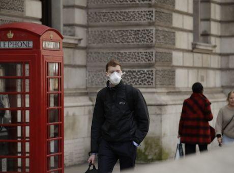 Βρετανία: Ξεπέρασαν τις 6