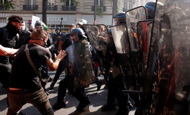 Γαλλία: Επέστρεψαν τα «Κίτρινα Γιλένα» – Επεισόδια και 154 συλλήψεις στο Παρίσι