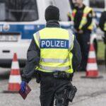 Γερμανία: Ακροδεξιοί αστυνομικοί αντιμετωπίζουν μείωση του μισθού τους έως 50%
