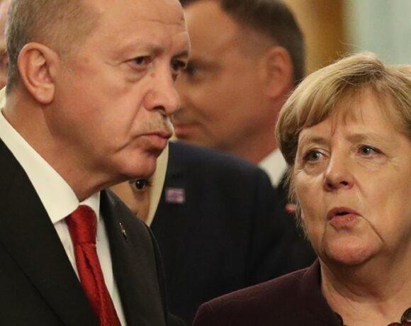Ερντογάν σε Μέρκελ: Απαράδεκτη η στήριξη χωρών στην εγωιστική και άδικη στάση της Ελλάδας