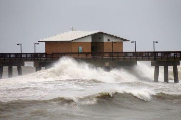 ΗΠΑ : Μαίνεται ο κυκλώνας Σάλι – Σε κατάσταση έκτακτης ανάγκης η Φλόριντα