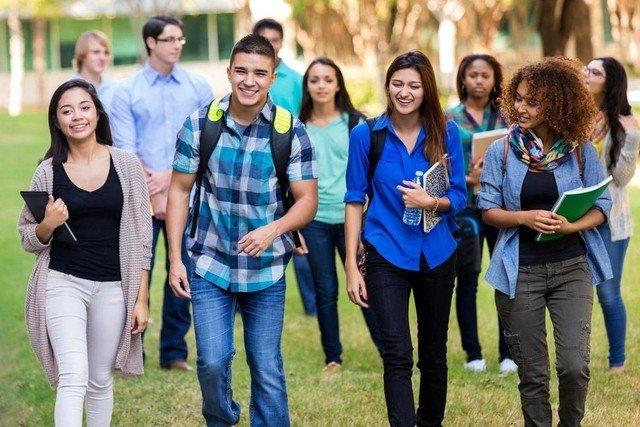 ΗΠΑ: Ξεσηκωμός των φοιτητών απαιτούν μείωση των διδάκτρων για τα διαδικτυακά μαθήματα