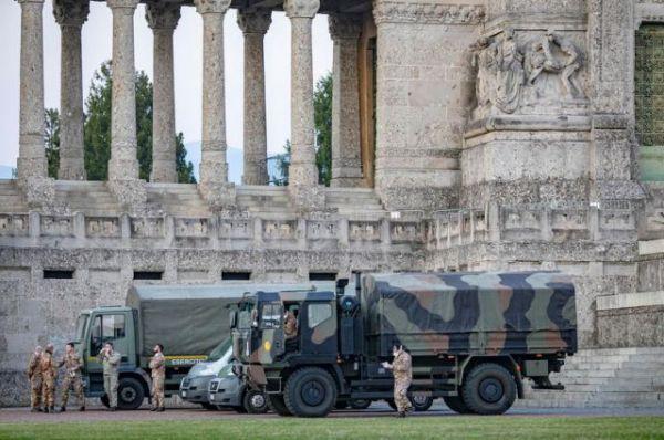 «Κανείς δεν θέλει να το ξαναζήσει»: Η φρίκη της άνοιξης προστατεύει τους Ιταλούς από τον κοροναϊό