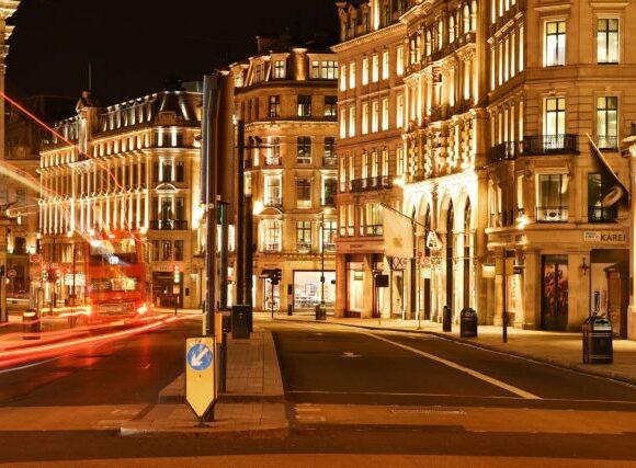 Κοροναϊός : Ο δήμαρχος του Λονδίνου ζητάει νέο lockdown από τη Δευτέρα
