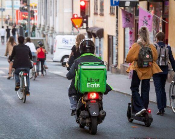 Κοροναϊός: Οι Σουηδοί κάνουν και πάλι τη διαφορά – Αποφεύγουν και τη χρήση μάσκας
