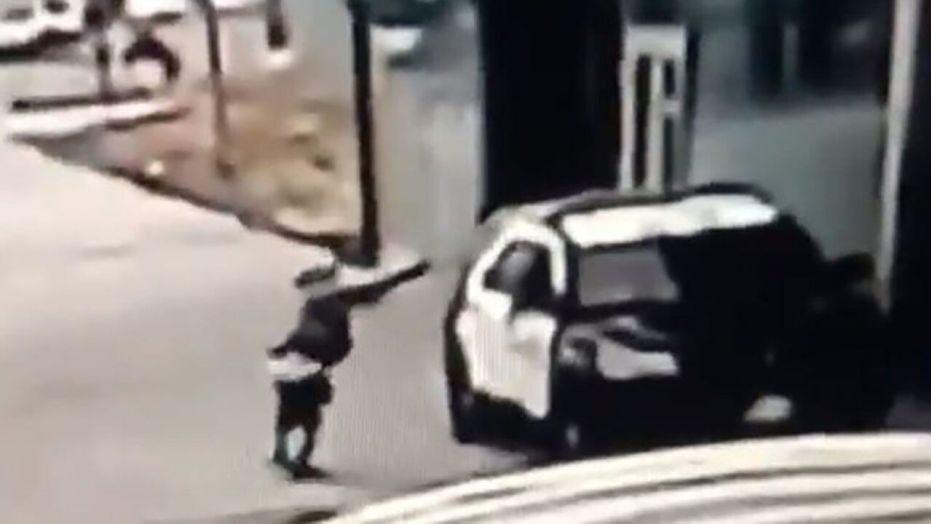 Λος Αντζελες : Επικήρυξαν τον δράστη της ένοπλης επίθεσης κατά των αστυνομικών
