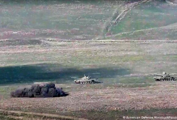 Ναγκόρνο-Καραμπάχ: Σκοτώθηκαν 16 στρατιώτες περισσότεροι από 100 οι τραυματίες