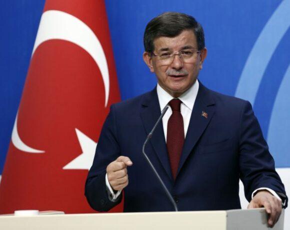 Ο Νταβούτογλου «ξεγυμνώνει» τον Ερντογάν: Προτιμά την ισχύ από τη διπλωματία