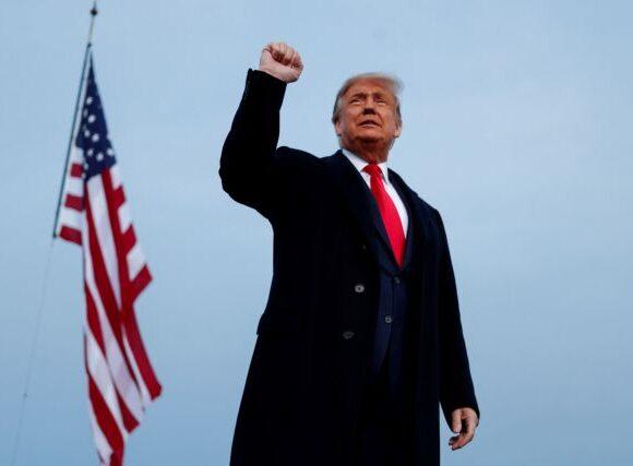 Ο Τραμπ τρέχει να προλάβει: Ανακοινώνει τον αντικαταστάτη της Ρουθ Μπέιντερ Γκίνσμπεργκ
