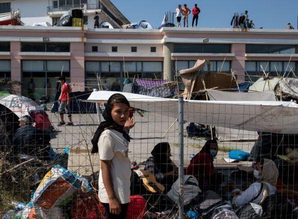 Πιέζεται η Μέρκελ να δεχτεί και άλλους πρόσφυγες από τη Μόρια