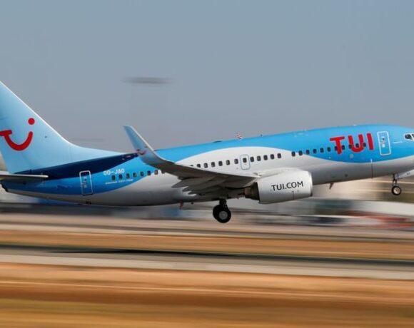 Τρίτο πλήγμα: TUI και Jet2 ακυρώνουν τις κρατήσεις από Βρετανία προς Κρήτη, Ζάκυνθο, Σαντορίνη και Μύκονο