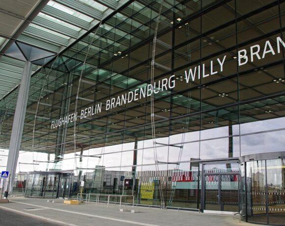 Χωρίς πάρτι το άνοιγμα του νέου αεροδρομίου στο Βερολίνο: «Γίναμε περίγελος»