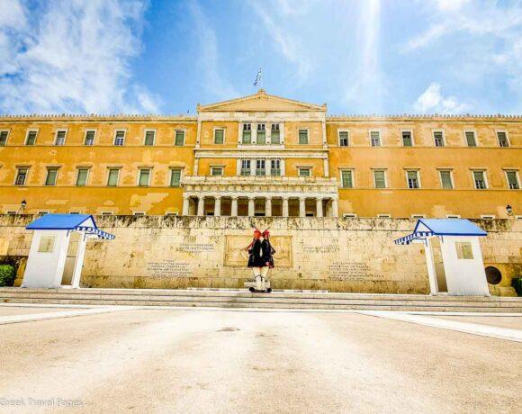 Covid-19: Health Expert Gives 3 Scenarios for Greece