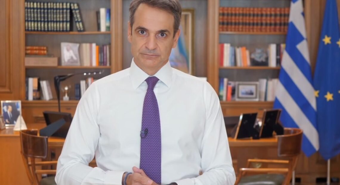 Covid-19: PM Mitsotakis Appeals to Greeks to Follow Rules to Help Avoid Lockdown