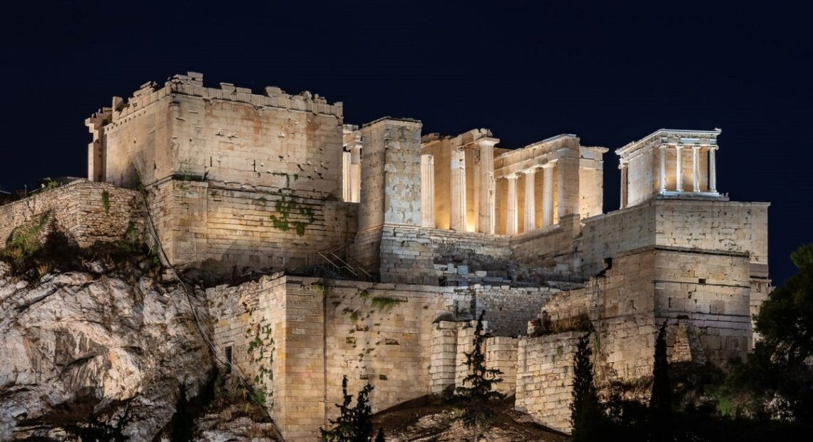 Glory of Acropolis to be Displayed in New Light