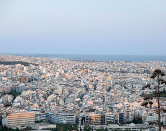 Greece Drawing Up List of Extra Local Covid-19 Restrictions, Also for Attica