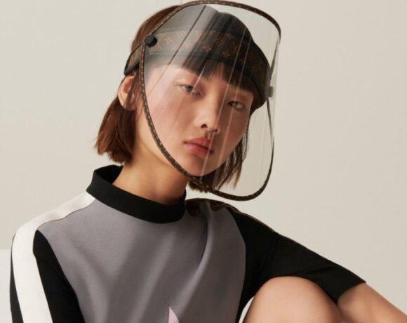 Louis Vuitton: Μάσκα με… χρυσές «πινελιές» για την προστασία από τον κορωνοϊό!