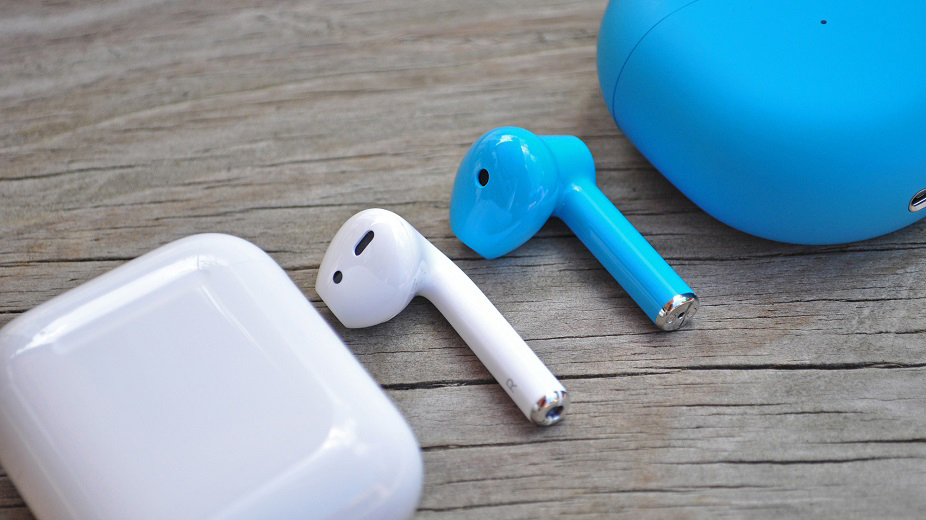 """OnePlus Buds: To τελωνείο των ΗΠΑ τα κατάσχεσε ως """"πλαστά AirPods"""""""