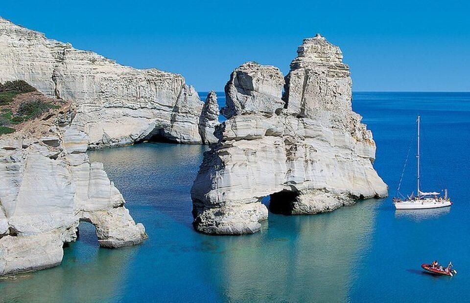 TripAdvisor Places Three Greek Beaches Among 25 Best in the World