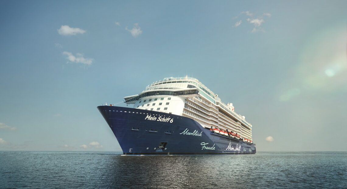 TUI First to Start Cruises in Greece
