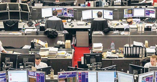 Ανακάμπτουν οι ευρωαγορές από τα χαμηλά 2 εβδομάδων